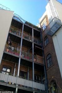 Aufwertung durch Balkonanbau
